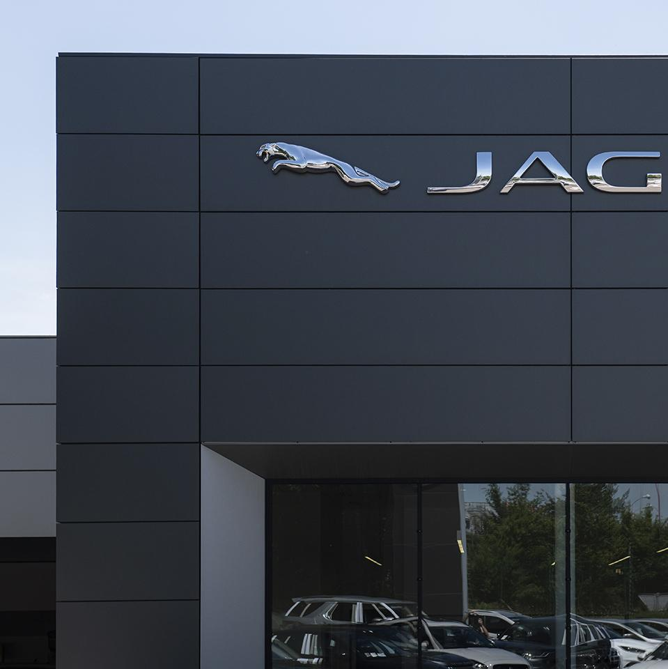 Jaguar 3D logo by Visotec