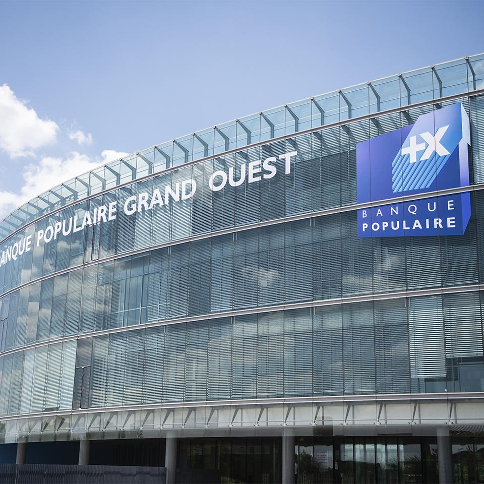 External branding of Banque Populaire du Grand Ouest by Visotec