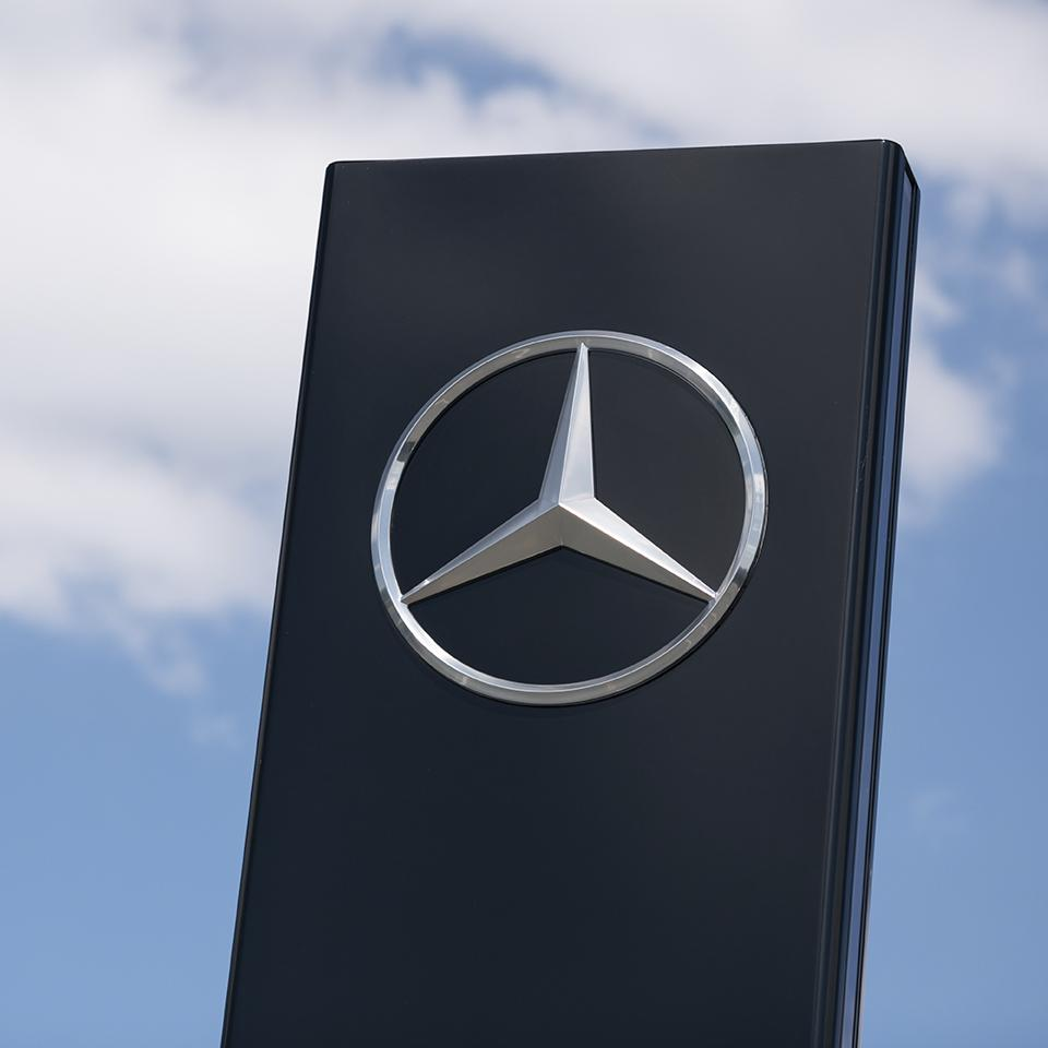 Mercedes Benz signage totem deployed by Visotec