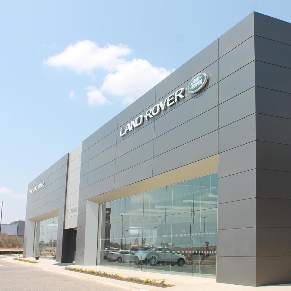 Jaguar Land Rover façade according to the Arch concept