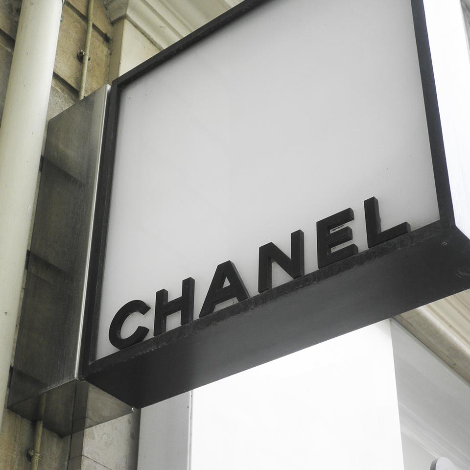 Chanel store flag signage deployed by Visotec