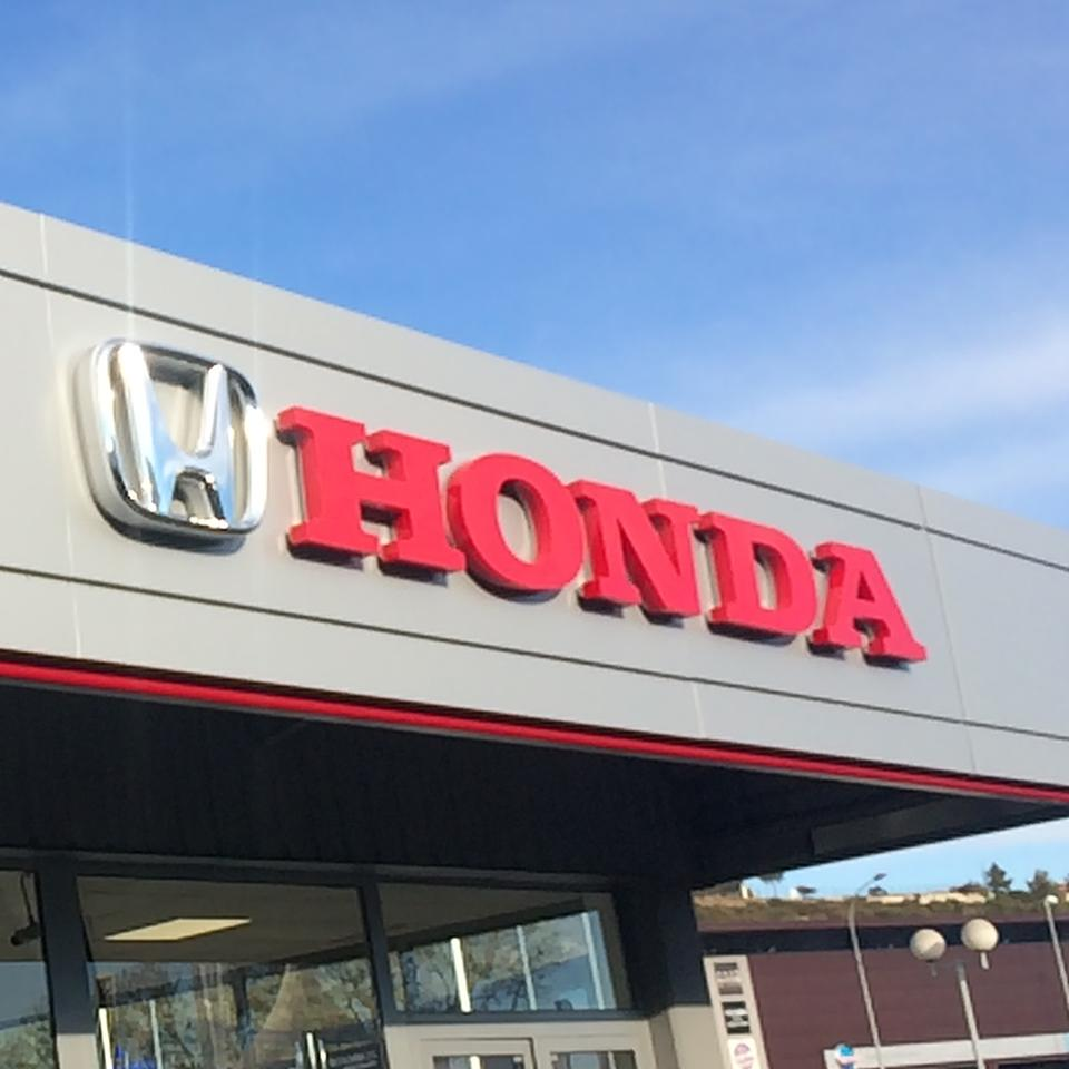 Honda 3D logo and cut-out letters by Visotec